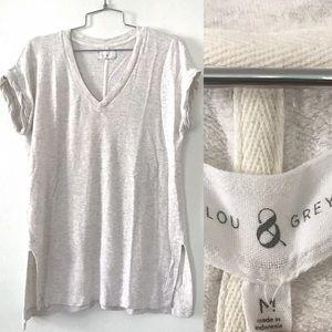 Lou & Grey sand v-neck T-shirt oversized pop over